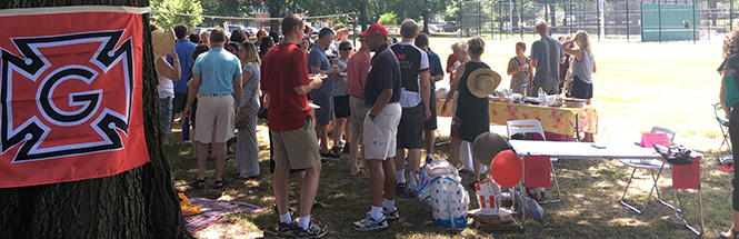 Grinnellians at the D.C. Picnic in 2016