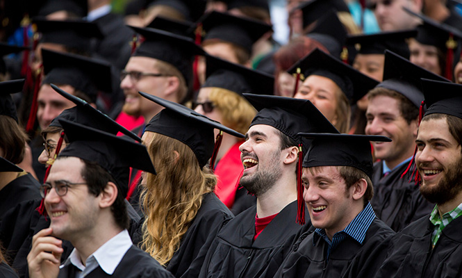 Graduates at the 2017 Grinnell College Commencement