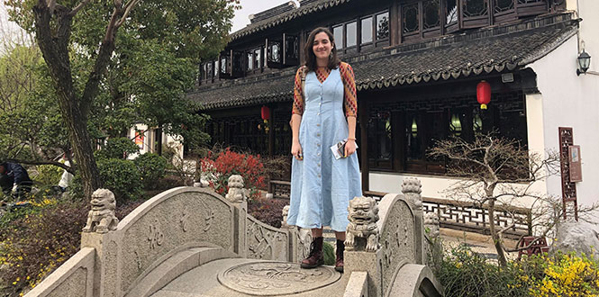 Veronica Thomas '21 in Shanghai, China for her media focused externship with Jason Chen '07.