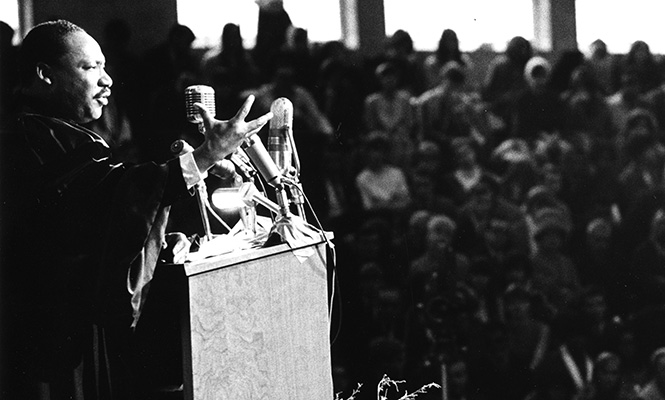 Martin Luther King Jr. speak at Grinnell's Darby Gymnasium in 1967
