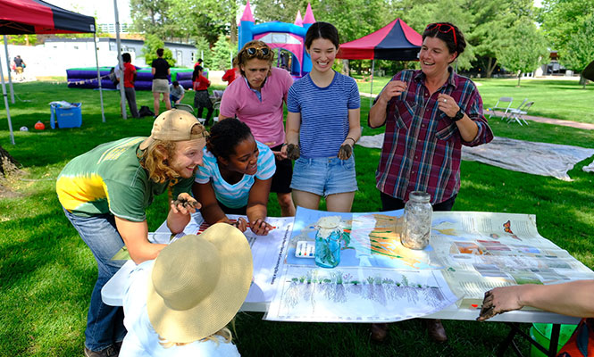 Alumni and Children enjoy the activities at Family Fun Day